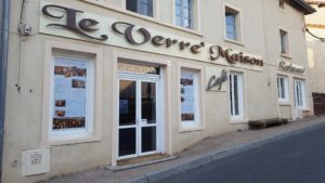 Restaurant le verre maison pollionnay facade